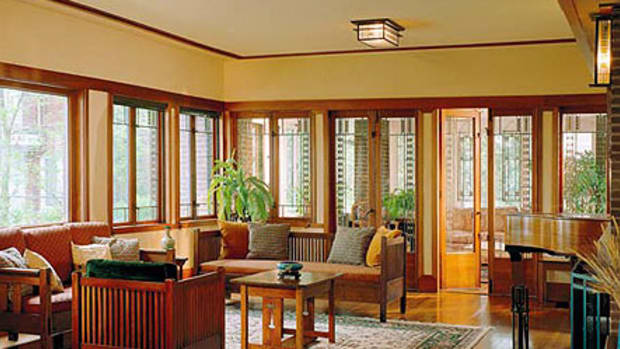 A full trim suite in clear revival of a style: Casement windows line the perimeter of the living room at eye level, framing spectacular views in true Prairie School style. Shown is an addition to a 1914 Prairie house; addition designed by John Eifler & Associates, Chicago eiflerassociates.com. Photo by Bob Shimmer/Hedrich Blessing.