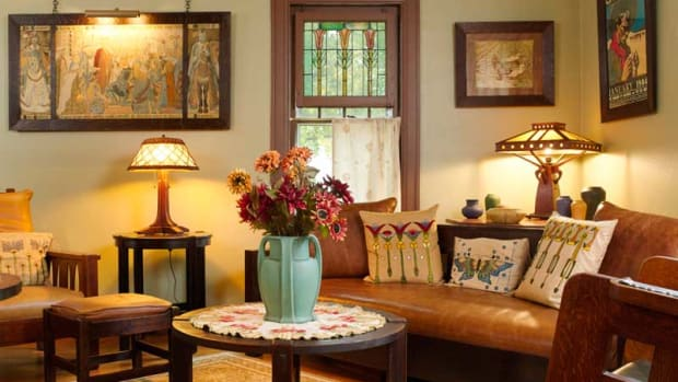 In Michigan, an original Aladdin kit home has been restored and decorated with period furnishings and textiles. Photo: Gridley+Graves