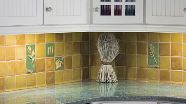 1_Backsplashes_Arts&CraftsHomes_WeaverTile