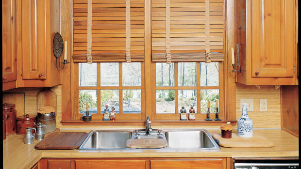 Americana custom stained wooden blinds001