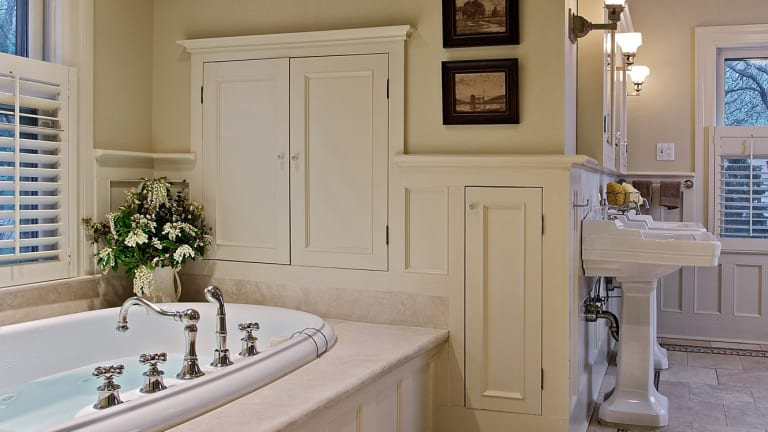 Bathrooms for the Craftsman Era Home