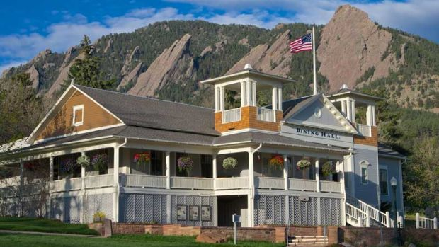 The Flatirons make a dramatic backdrop for the Chautauqua Dining Hall, restored in 2013.