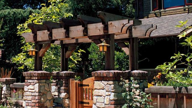 Iron gate hardware is the finishing touch for this appealing entry. Photo: Linda Svendsen