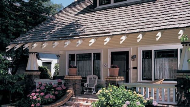 Real wood shingles have the organic look that matches the bungalow aesthetic. Photo by Doug Keister