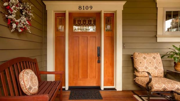 The welcoming entryway of a 2008 Craftsman. All photos by Blackstone Edge Studios