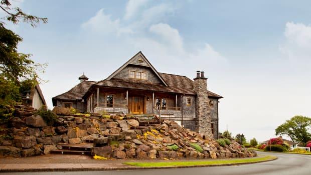 New Craftsman House Oregon Coast Rustic Overbay
