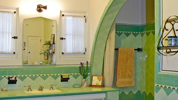 1930s tile bath shark-fin shower deco tile