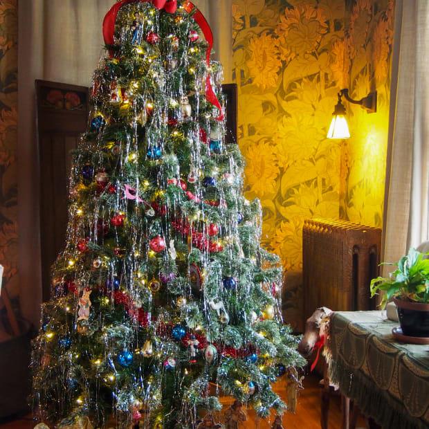 Arts & Crafts Christmas tree