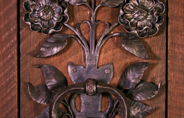 Metalwork in the Arts & Crafts Home