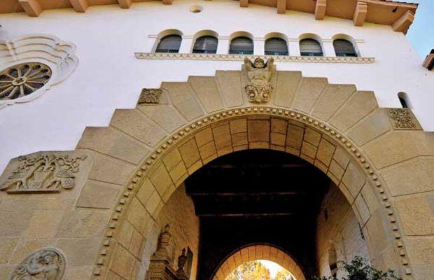 The Santa Barbara Courthouse arch. Photo courtesy Santa Barbara Visitors Bureau