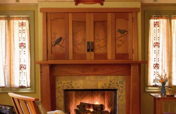 Ravens (a popular motif) recall the lively birds in a fireplace grille by Voysey; also, the client was a South Dakota farmboy who had a pet raven as a child. The oak trees are all about California. Photo: Nathanael Bennett