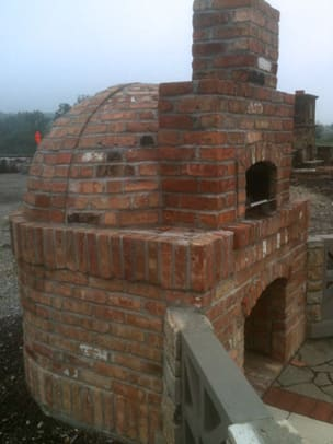stockyards-bricks_outdoor-pizza-oven