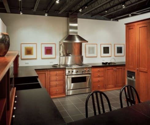phoca_thumb_l_K-10..Stained cherry kitchen cabinetry