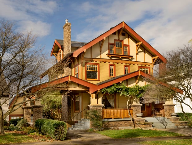 A Craftsman Home in Perfect Pitch