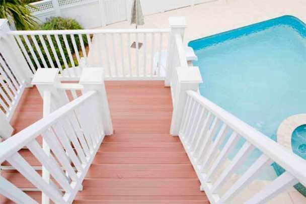 aeratis-stairs-to-pool