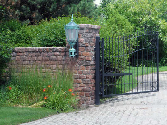 stockyards-brick_granite-home