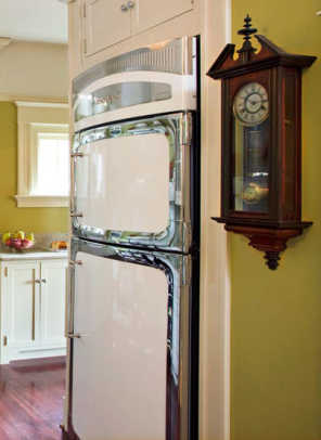 This new, retro-style refrigerator by Heartland Appliances borrows styling from period stoves. Photo by Philip Clayton-Thompson.