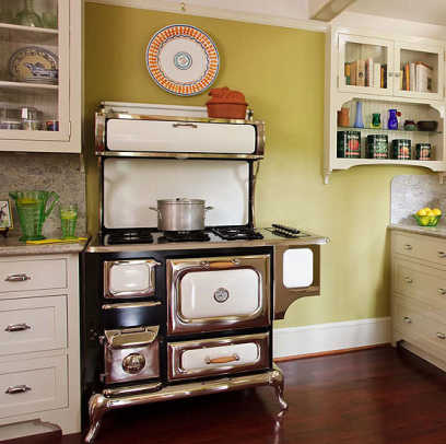 A new, modern-functioning but retro-looking stove from Heartland in a brand-new kitchen for a bungalow. Photo by Philip Clayton-Thompson.