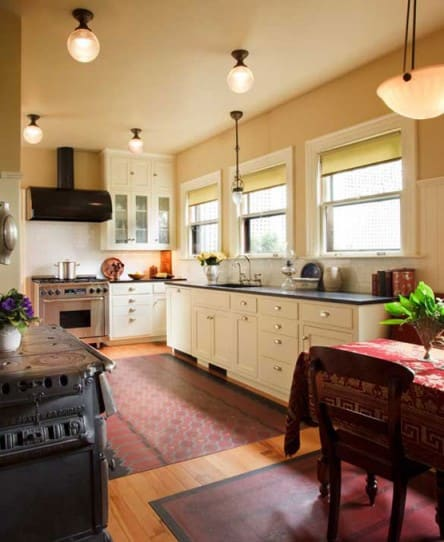 A classic 1920s kitchen design for the arts crafts house arts crafts homes online for Exquisite kitchen design south lyon