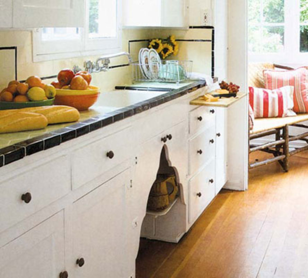 Arts And Crafts Kitchen Cabinets: Woodwork & Finishes For The Craftsman Home