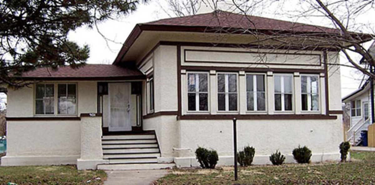 "Akin House, a ""Midwest Bungalow"" ca. 1908 by architects Tallmadge & Watson."