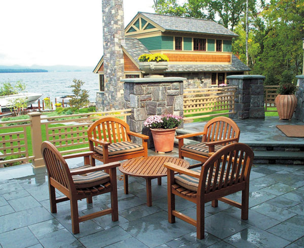 A terrace laid in a dimensional pattern formed by rectangular flagging, with slate from Sheldon Slate Products.