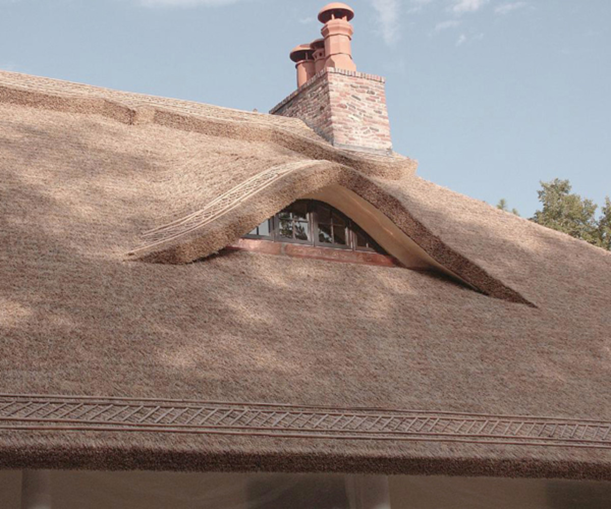 Innovative cottage-style thatch roofing system by Endureed.