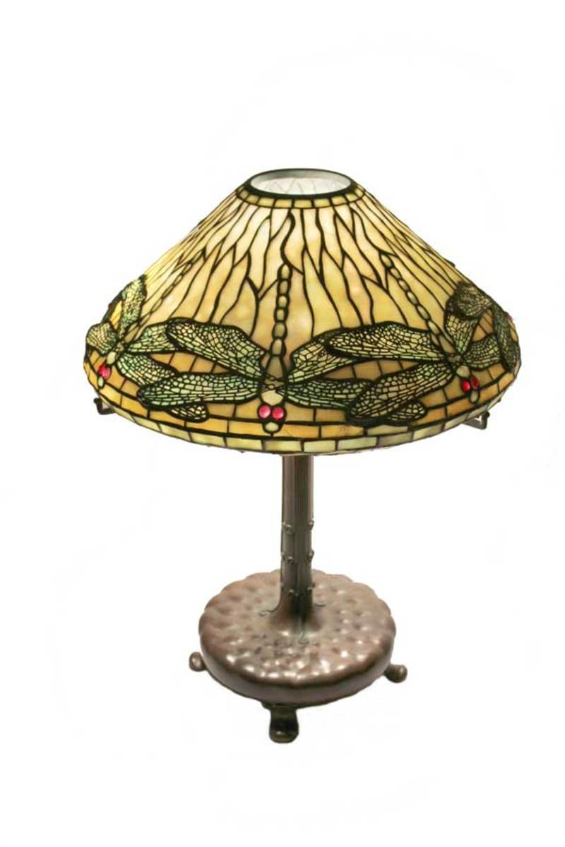 Pankewich's interpretation of Tiffany Studio's classic Dragonfly lamp