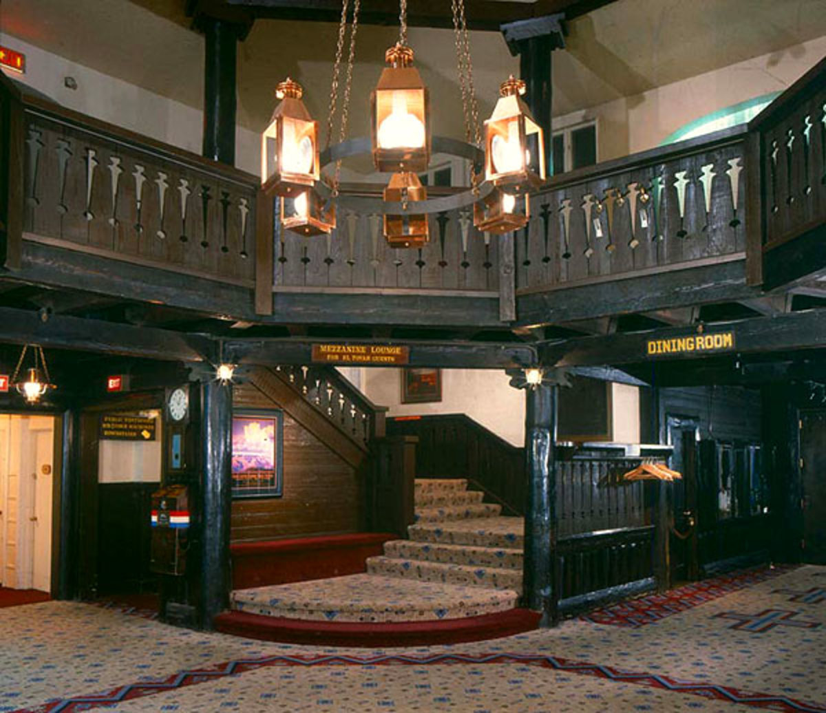 The El Tovar Hotel at the Grand Canyon opened its rustic doors in 1905.