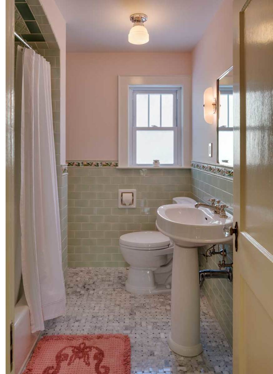 Fun with bathroom tile arts crafts homes and the revival for 1930 bathroom design ideas