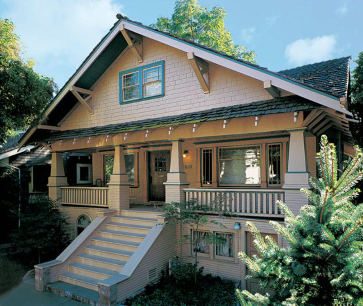 The ultimate guide to arts crafts craftsman bungalows for Bungalow craftsman style homes