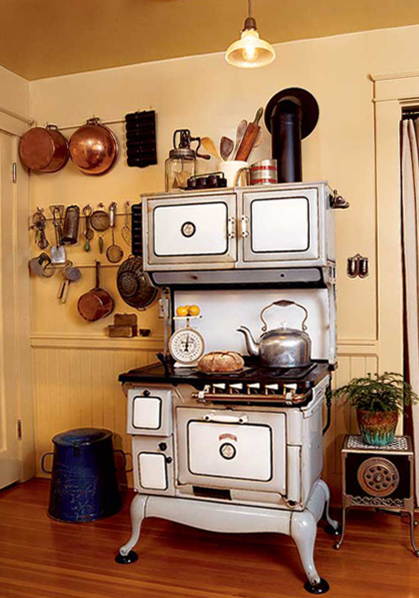 It took a house call by the appliance restorer to make fine adjustments to the gas valves on the 1905 Orbon stove.