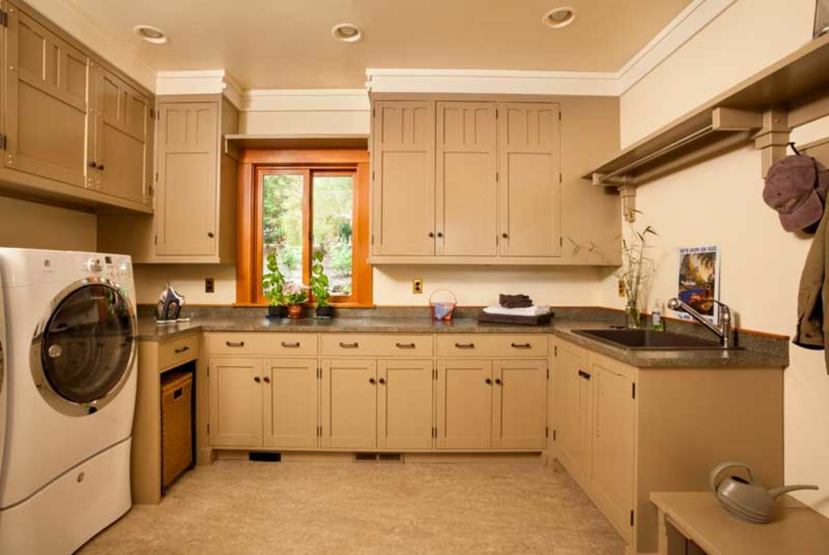 laundry room, mudroom, service room
