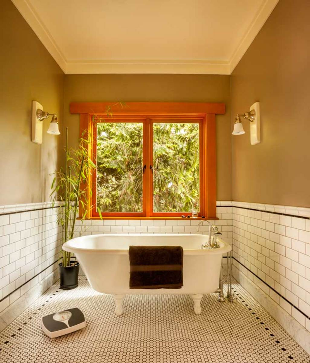 1931 Stanley clawfoot bathtub