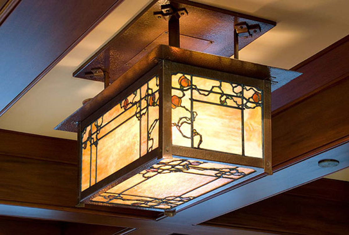Ted Ellison modeled the overhead light fixtures on fixtures in original Greene & Greene homes.