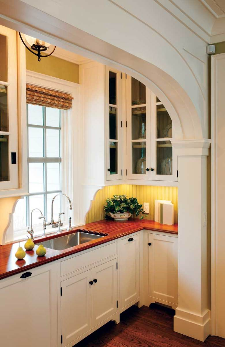Crown Point creates handcrafted, all-wood cabinetry in several styles.