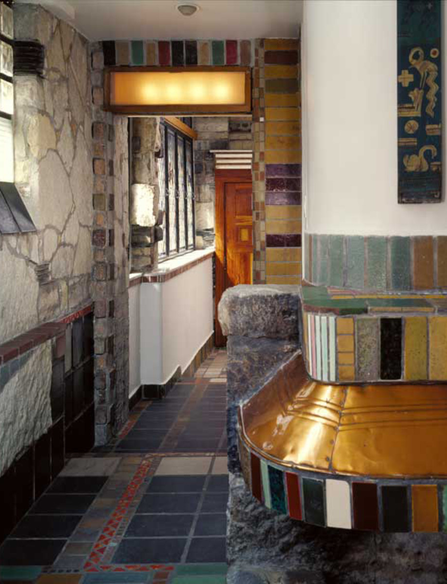 A bathroom and tile floor in the Sol Kogen studio were designed by Jesus Torres, Miller's former assistant, after 1935.