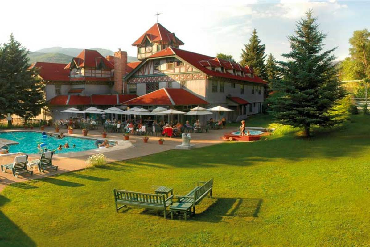 Book a room on the verandah or in the tower at the Redstone Inn.