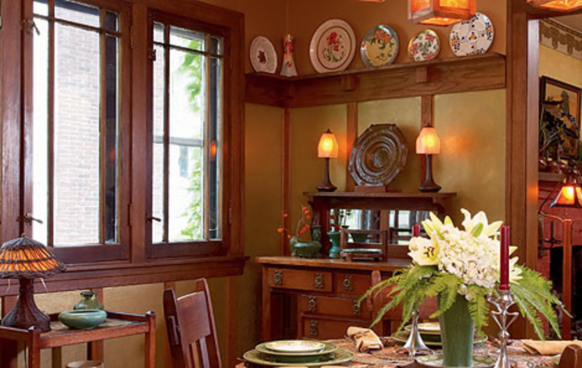 What a difference millwork makes arts crafts homes for Craftsman picture rail