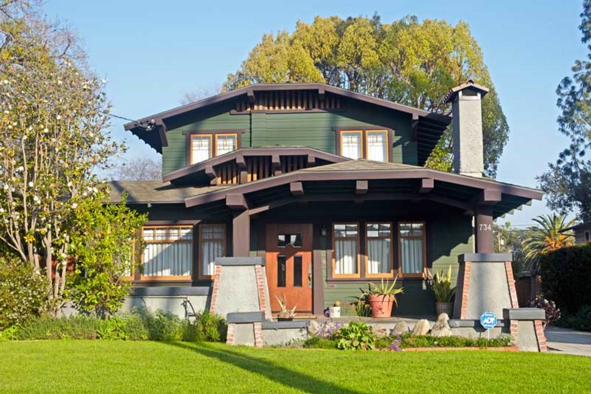 house in Pasadena's Bungalow Heaven
