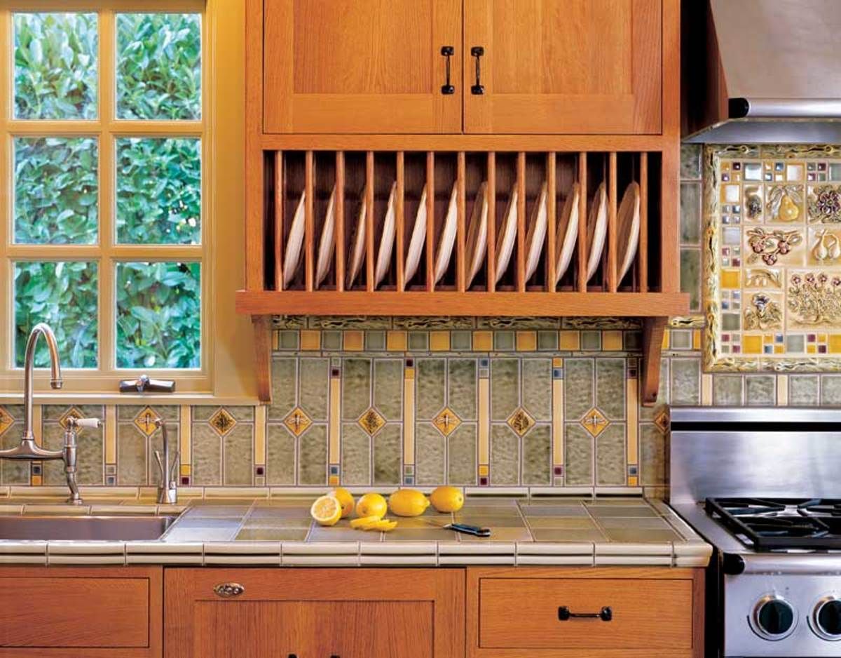 Tile backsplash by Pratt & Larson