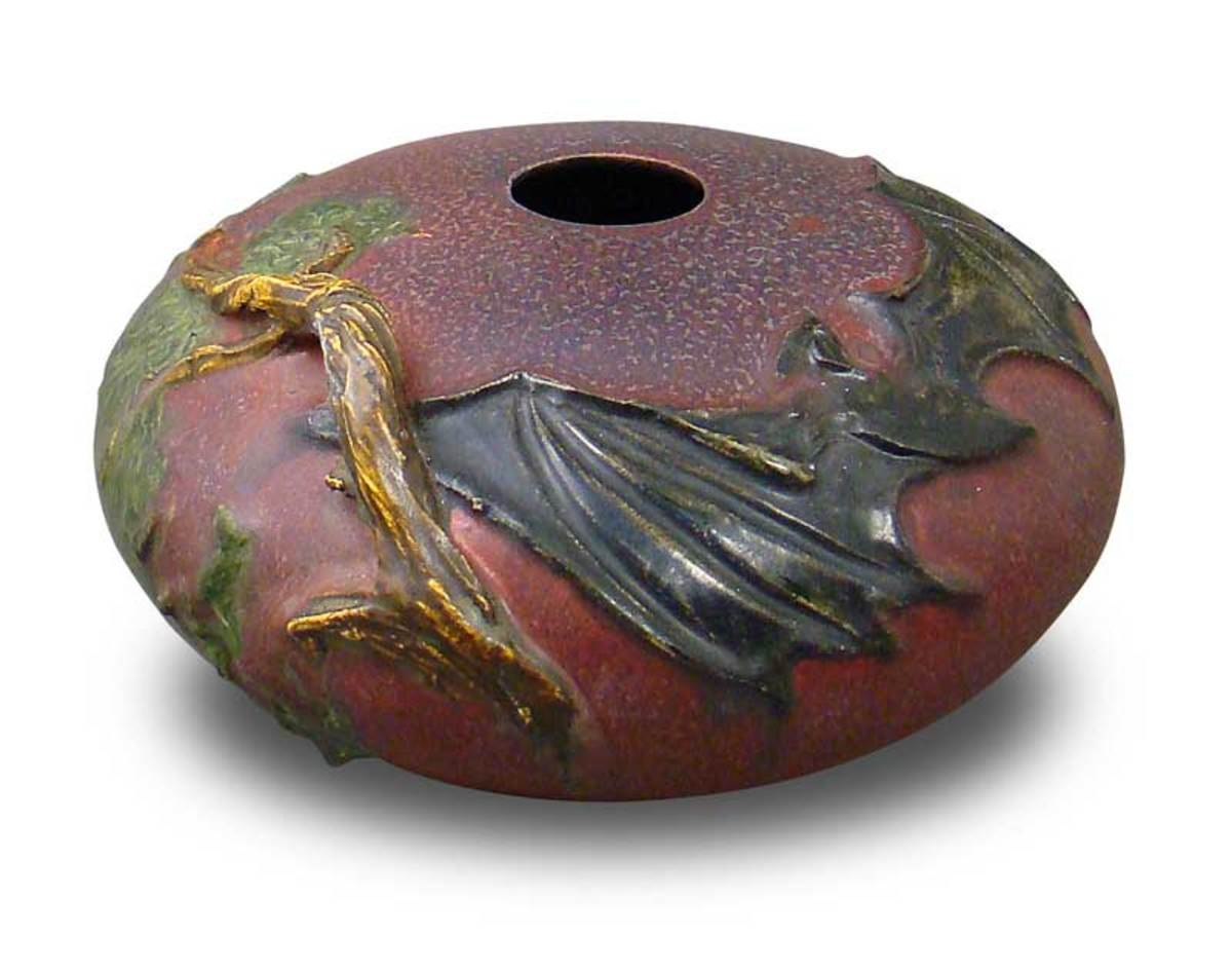 'Woodland Bat' vase in Cranberry, from Ephraim Faience.