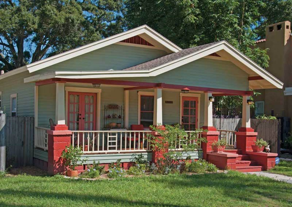 Bungalows abound in Historic Kenwood, a district in the center of St. Petersburg.