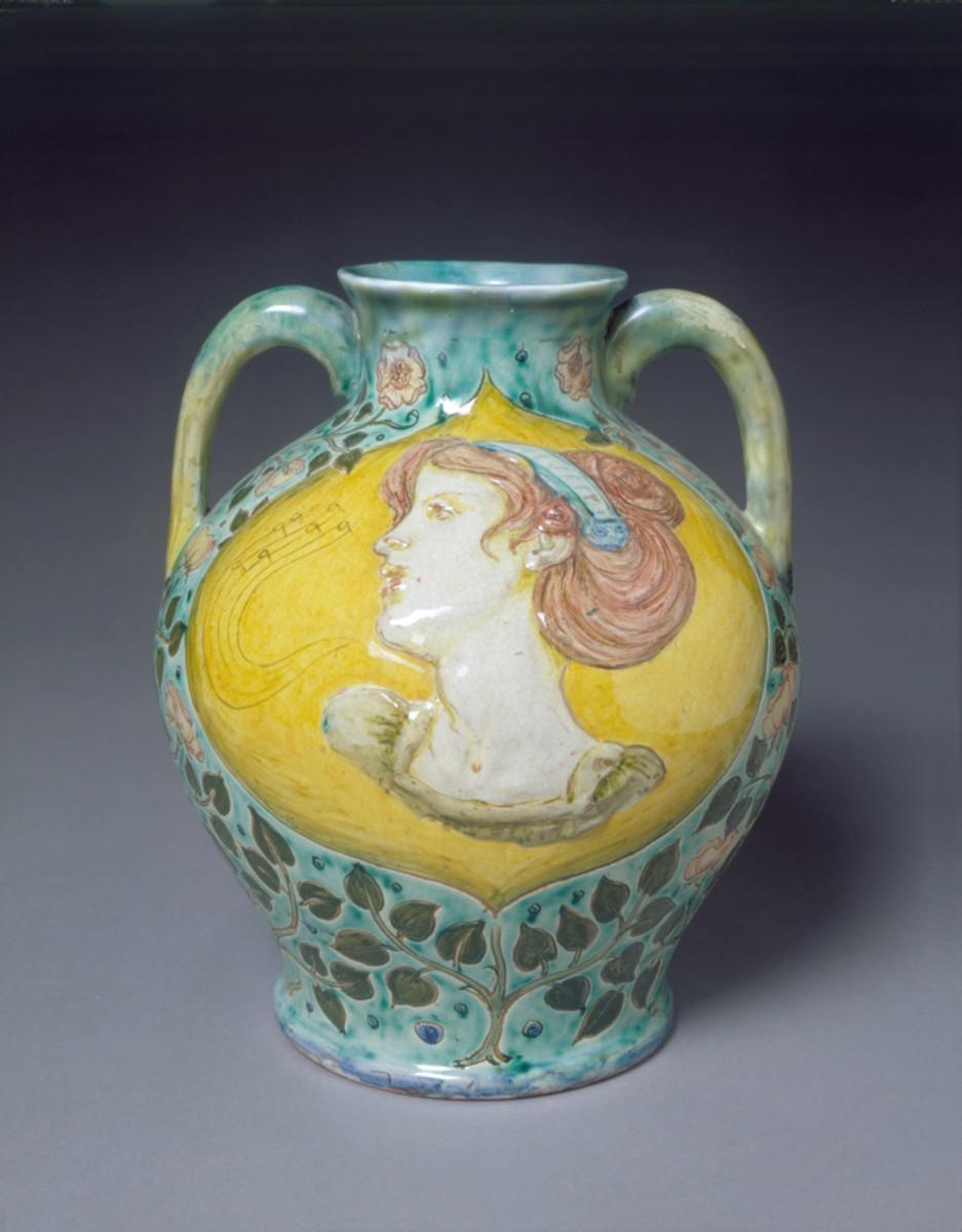 Della Robbia pottery