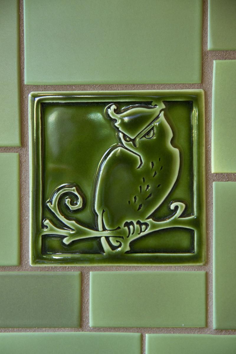 Carreaux's Owl tile detail in Evergreen gloss.