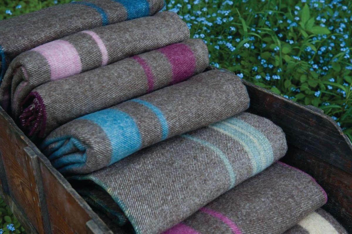 Seacolors Yarnery at Meadowcoft Farm OHJ1219 thumbnail_Get_wool-59 2019-10-30 17_21_46
