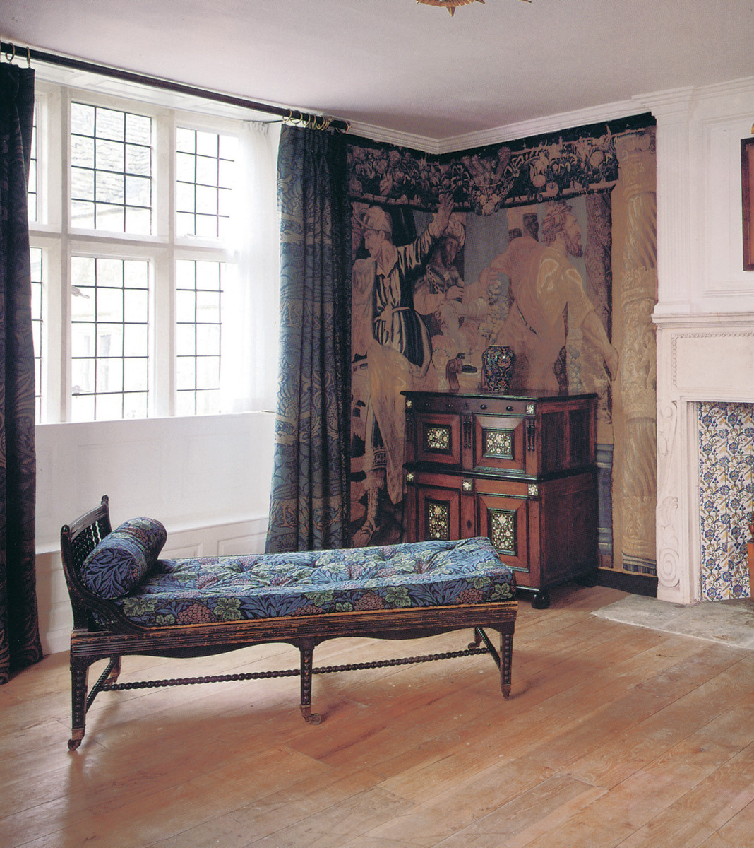 Furniture_Kelmscott_Manor_British_Arts_Crafts