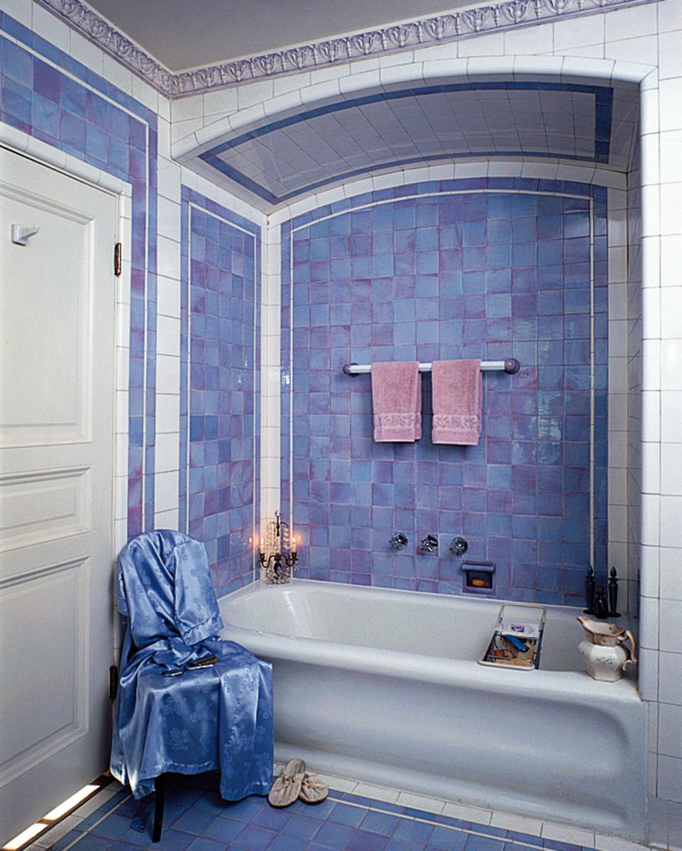 original tile 1928 bath