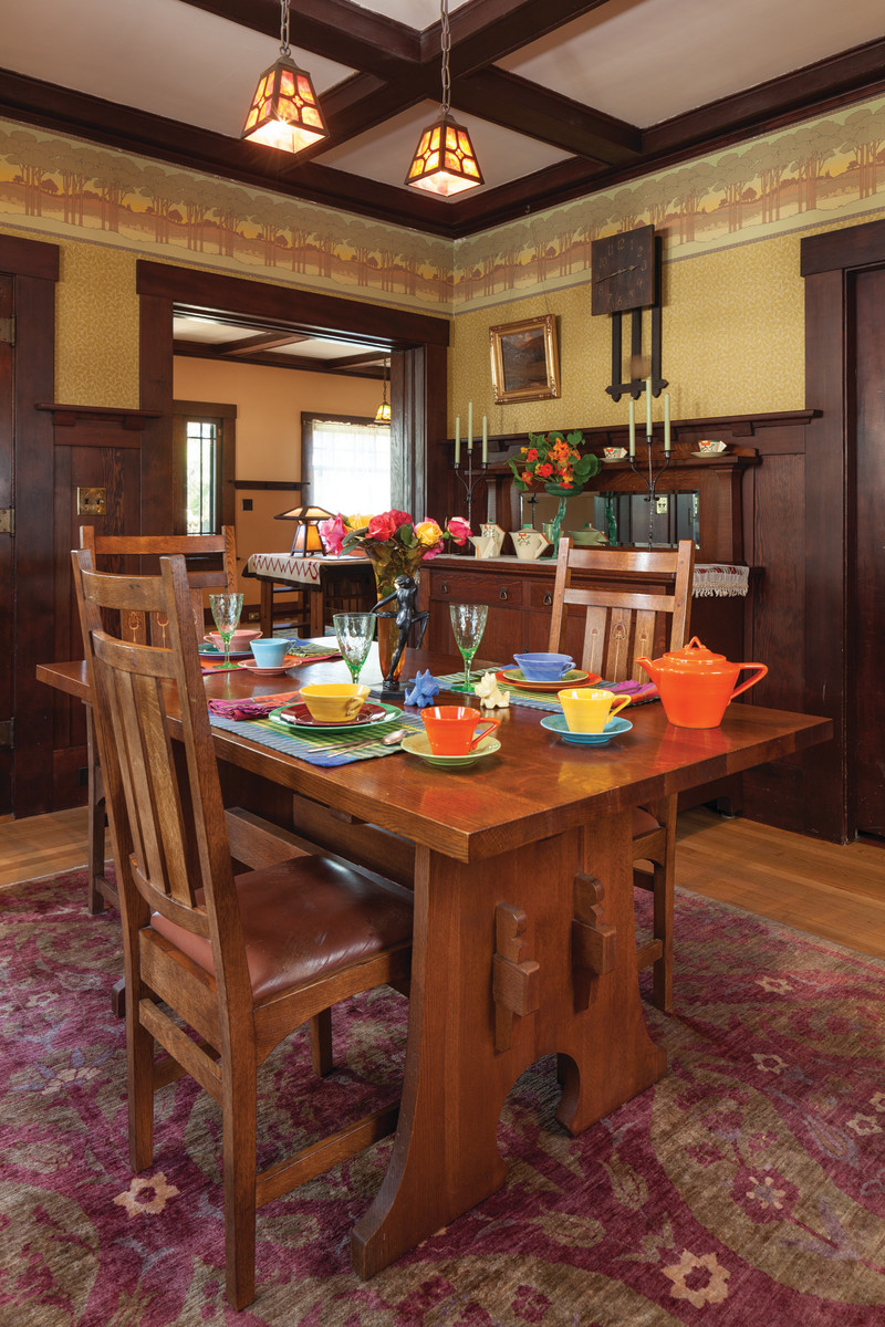 Arts & Crafts Dining Room Stickley table
